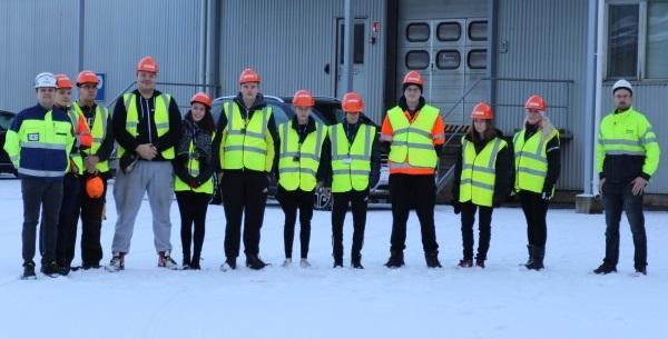 Säkylän tehtaalla käy paljon vierailijaryhmiä. Tällä kertaa tutustumiskierroksella oli Novida-ammattiopiston Loimaan yksikön oppilaita. Oppilaat pitivät tutustumisvierailua tehtaalle hyödyllisenä ja opettavaisena.