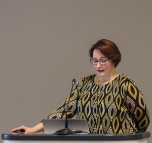 Hiiliviljelijä Piia Jokela kertoi käytännön kokemuksistaan Carbon Action -projektista.