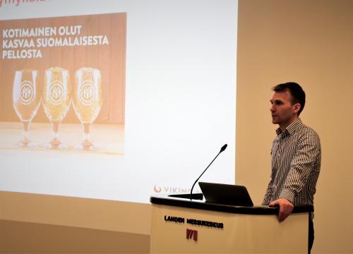 Viking Maltin Mikael Ingman kertoi ajankohtaisia asioita mallasohran sopimusviljelystä.
