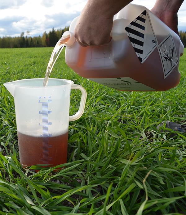 ZM-Grow on nestemäinen helppokäyttöinen lehtilannoite, joka sopii erinomaisesti syysviljoille.